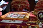 У Свято-Успенському Архієрейському соборі Житомира митрополит Никодим звершив Божественну літургію та освятив нові антимінси.