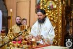 Божественна літургія у неділю четверту після П'ятидесятниці.