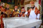 У понеділок Світлої седмиці митрополит Никодим освятив новий Престол та звершив Божественну літургію у Свято-Троїцькому кафедральному соборі міста Новоград-Волинського.